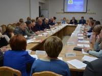 В Общественной палате Пензенской области обсудили вопросы организации летнего отдыха детей и занятости подростков.